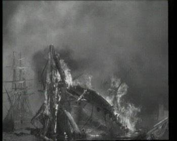 Turecká vlajková loď dostala zásah do prachárny