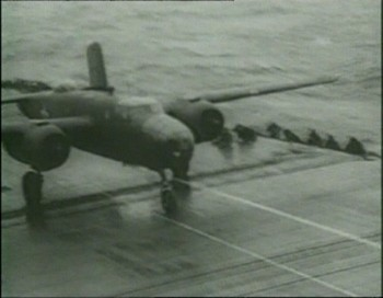 B-25 při startu k náletu na Tokio